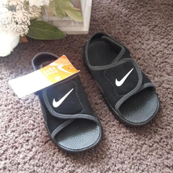 new concept 3b6ac 842fd Brand new Nike sandals NWT